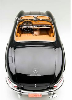 I don't care for newer Mercedes, but the restored vintage sports cars-oh yes!