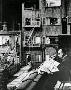 20 Photos of Impressive Rear Window Behind the Scenes (1954)