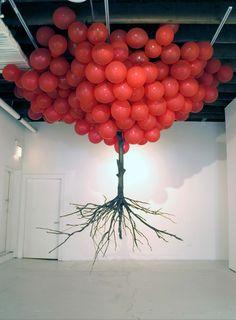 Sculpture – Basse Def ....love red balloons