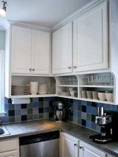 If you are looking for Small Kitchen Remodel Ideas, You come to the right place. Below are the Small Kitchen Remodel Ideas. This post about Small Kitchen R. Home Kitchens, Kitchen Remodel Small, Kitchen Appliances Layout, Kitchen Design, Kitchen Decor, Diy Kitchen Remodel, Kitchen Cabinets To Ceiling, Kitchen Redo, Kitchen Design Diy