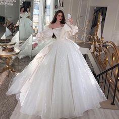 Best Wedding Dresses, Wedding Gowns, Boho Wedding, Red Wedding, Vogue Wedding, Rustic Wedding, Ball Gown Dresses, Prom Dresses, Funny Dresses