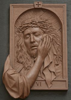 The fourteen stations of The Cross was commisioned by St. Raphael Church in Naperville Illinois Koh-Varilla Guild Jeff Varilla & Anna Koh Varilla Wood Carving Art, Wood Art, Wood Sculpture, Sculptures, King Picture, Pictures Of Jesus Christ, Jesus Art, Cross Art, Catholic Art