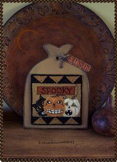 SpookY-HaLLoween Original PrimiTive Punch NeedLe Pumpkins JOL BLack Cat Hornbook