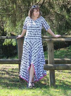 Handkerchief Hem Maxi Dress Pattern - How to make a free flattering dress pattern and maxi dress DIY that makes a great dress for summer.