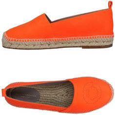 Anya Hindmarch Espadrilles ($275) ❤ liked on Polyvore featuring shoes, sandals, orange, flat espadrille sandals, round toe sandals, leather sole sandals, orange flat shoes and animal shoes