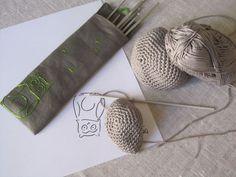 Besoin d'une pochette pour y mettre toutes mes aiguilles à tricoter! Inspirat°