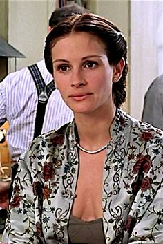 Notting Hill Julia Roberts as Anna Scott Julia Roberts Notting Hill, Julia Roberts Style, Notting Hill Movie, Iconic Dresses, Film Inspiration, 90s Outfit, Spring Looks, Celebs, Celebrities