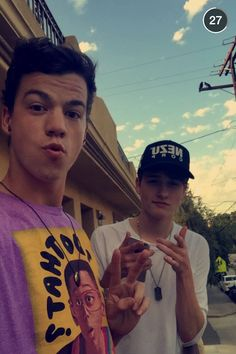 Taylor Caniff & Crawford Collins Bae's perfect as'f