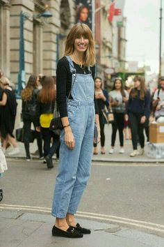 Harper's Bazaar Germany Style Editor Veronika Heilbrunner wears Calvin Klein overalls, a Mads N¿rgaard top, Gucci loafers, and a Chanel bag on Day 2 of London Fashion Week Spring Summer 2015 on. Get premium, high resolution news photos at Getty Images Street Style Outfits, Looks Street Style, Look Fashion, Girl Fashion, Fashion Outfits, Womens Fashion, Korean Fashion, Fall Fashion Trends, Autumn Fashion