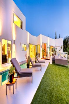 Rental Apartments, Luxury Apartments, Luxury Homes, Hotel California, California Style, Los Angeles Apartments, Spring Break Destinations, Beverly Hills Hotel, Workout Equipment