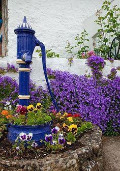 love this planter Flowers Garden Love