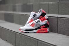 Releasing: Nike Air Max OG Patch Pack