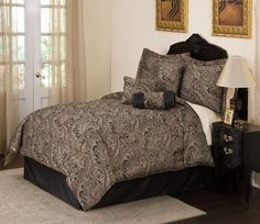Black and Gold Damask/Paisley Bedding