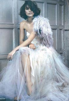 Elle Wedding - Santorini Feather Wrap #JennyPackham www.jennypackham.com