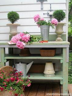DIY Potting Bench | diy potting bench