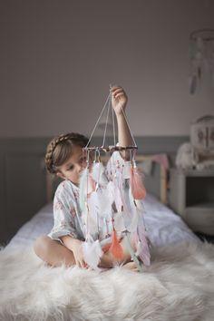 Suspension plume attrape rêves