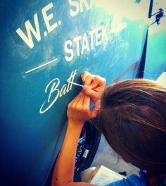 Lettering a VW Single Cab by Vane Pinstriping