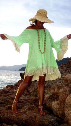 Terrific All Soft Rayon Mini Dress One Size Made in Bali Bali Vestito Scollato Copricostume Mare Backless Cover Up Boho Chic Gipsy di BeHappieWorld su Etsy
