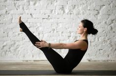 There are thousands of different poses, each with its own benefits. Instead of getting caught up in learning pose after pose, focus on these 9 basic Vinyasa Yoga poses. Quick Weight Loss Tips, Weight Loss Help, Lose Weight At Home, Reduce Weight, How To Lose Weight Fast, Losing Weight, Yoga Meditation, Yoga Inspiration, Vinyasa Yoga Poses