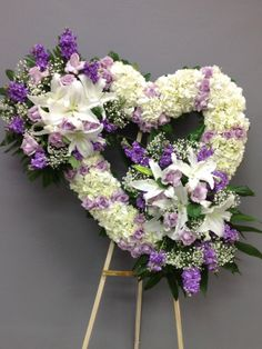 Funeral Floral Arrangements, Creative Flower Arrangements, Rose Arrangements, Flower Wreath Funeral, Funeral Flowers, Cemetery Flowers, Grave Flowers, Cemetary Decorations, Angel Wings Decor