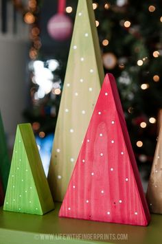 Life with Fingerprints: Christmas Craft, holiday forest out of 2x6 wood                                                                                                                                                                                 More