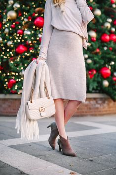 Neutral winter style a la Rockport Total Motion, Western Wear, Winter Style, Winter Fashion, Neutral, Booty, Pairs, Chic, How To Wear
