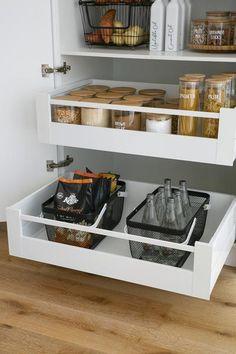 Cozy Home Interior Home Organisation Labels & Storage Solutions Home Decor Kitchen, Diy Kitchen, Home Kitchens, Diy Home Decor, Kitchen Ideas, Kitchen Cabinets, Kitchen Hacks, Kitchen Furniture, Wood Furniture