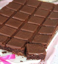 After Eight kladdkaka – Lindas Bakskola Yummy Treats, Sweet Treats, After Eight, Fika, Roasting Pan, Special Occasion, Brownies, Tart, Sweets