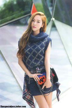 Jessica Jung: The Hallyuwood Rising Idol Fashionista Jessica & Krystal, Krystal Jung, Sooyoung, Fashion Line, Asian Fashion, Snsd Fashion, Kpop Girl Groups, Kpop Girls, Jessie