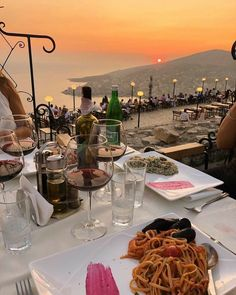 Summer Aesthetic, Travel Aesthetic, Aesthetic Food, Sky Aesthetic, European Summer, Italian Summer, French Summer, Places To Travel, Places To Go