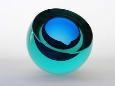 Cenedese sommerso cobalt blue and aqua glass bowl Murano Glass, Venice, Italy Glass Ceramic, Mosaic Glass, Stained Glass, Glass Marbles, Glass Bottles, Perfume Bottles, Aqua Glass, Murano Glass, Art Furniture