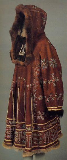 Practical and warm parka, anorak .Anorak comes from the inuit word Anore, meaning Wind. The anorak was developed by the Inuit people to protect them from the arctic freezing climate. Ethnic Fashion, Look Fashion, Fashion Design, Folk Costume, Costumes, Costume Ethnique, Coat Dress, Historical Clothing, Mode Inspiration
