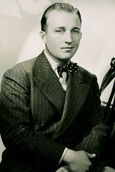 Bing Crosby Old Hollywood Glamour, Classic Hollywood, Bob Hope, Bing Crosby, Jazz Age, Celebs, Celebrities, American Singers, The Beatles