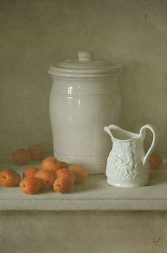 foto: Com a louça branca e damascos | Fotógrafo: Lubov Pozmogova-Brosens…