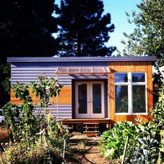 Want to try out tiny living? Check out this rustic modern tiny house you can rent using Airbnb. It's located in Portland, Oregon in a great area close to restaurants and shops. The owner&#821…