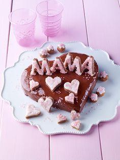 Muttertagsherz mit Marzipanbuchstaben -  Ein Herz mit Schokolade und Marzipan zum Muttertag