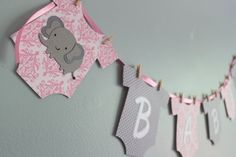 This listing is for one Elephant-themed Baby Shower Banner. It can be completely customized to your shower theme! I have many other animals to choose