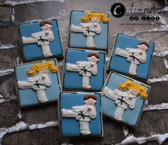 Cookies For Kids, Fun Cookies, How To Make Cookies, No Bake Cookies, Cupcake Cookies, Decorated Cookies, Karate Cake, Karate Party, Character Cakes