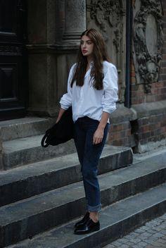 Horkruks: white shirt and jeans