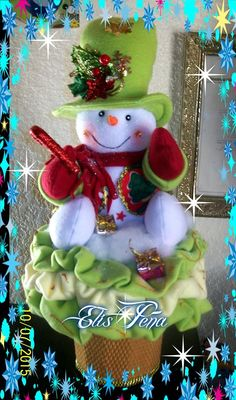 mary gutierrez's media content and analytics Felt Christmas Decorations, Christmas Centerpieces, Christmas Snowman, Christmas Time, Christmas Stockings, Christmas Ornaments, Santa Crafts, Snowman Crafts, Holiday Crafts