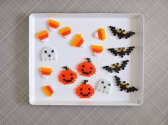 It's still only September, but we're already going a little Halloween crazy over here. Perler beads are one of our favorite crafty activities.so I thought it would be fun to make Halloween shapes a Perler Bead Templates, Pearler Bead Patterns, Diy Perler Beads, Perler Bead Art, Pearler Beads, Pixel Art, Hama Beads Halloween, Pearl Beads Pattern, Beading For Kids