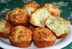 Sajtos-hagymás-petrezselymes muffin Muffins, Ricotta, Baked Potato, Baked Goods, Food And Drink, Sweets, Meals, Baking, Breakfast