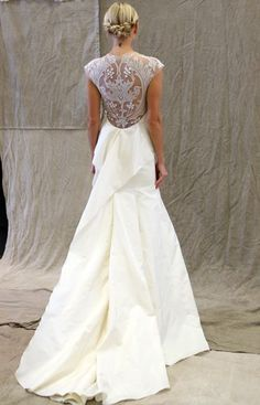 2014 Wedding Trends | Dramatic Backs | Lace-Back Wedding Gown