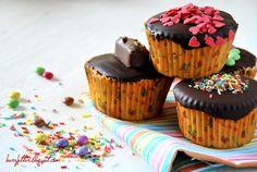 Herzfutter   Food-Blog : PAMK: Kindheitserinnerung - Bunte Muffins mit Überraschungen
