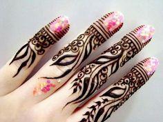 Light finger design of henna