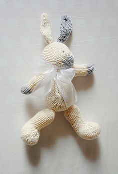 Ravelry: проект галереи для хорошо одетых Кролик pattern премьер-Барбара