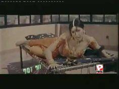 Khothe-Utte-Sutti-Saan-Sana-Hot-Mujra-Dance-Pakistani-SOnG