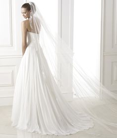 Pronovias - 2015 FASHION / Beluci Style.