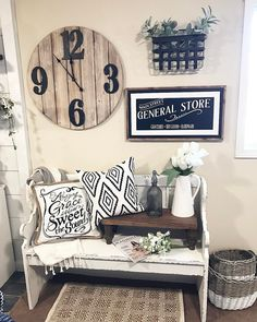 03 Inspiring Farmhouse Entryway Decor Ideas - Home Decor Design Rustic Farmhouse Entryway, Country Farmhouse Decor, Farmhouse Style, Modern Farmhouse, Farmhouse Shelving, Vintage Farmhouse, Farmhouse Ideas, Farmhouse Bench, Country Entryway