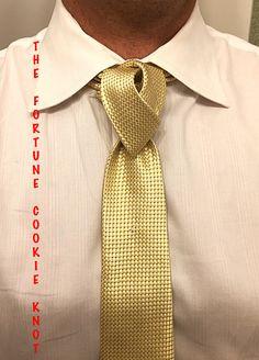 Knot by Boris Mocka Cool Tie Knots, Cool Ties, Eldredge Knot, Mens Sweat Suits, Fancy Tie, Tie A Necktie, Ways To Wear A Scarf, Groom And Groomsmen, Gentleman Style